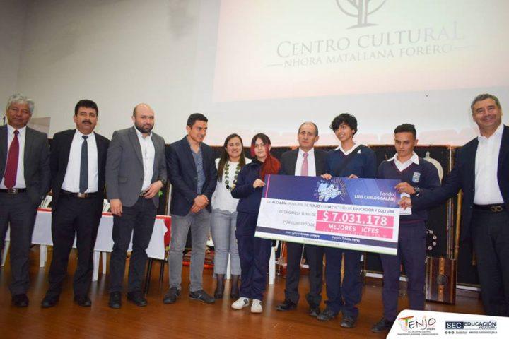Administración Municipal de Tenjo, entregó beneficios económicos a sus mejores estudiantes