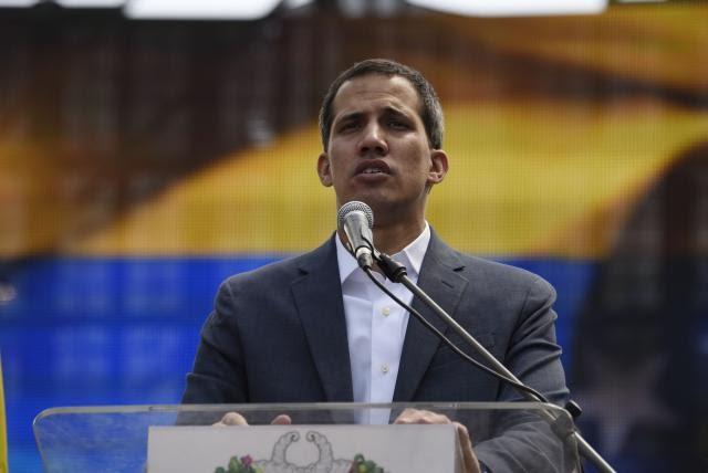 Guaidó denuncia que Maduro intenta mover USD 1.200 millones a Uruguay