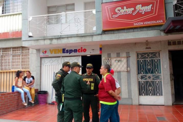Entregaba en Bucaramanga 1.200 comidas al día a venezolanos y la sancionaron