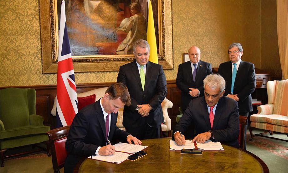 Colombia y Reino Unido firman alianza contra el cambio climático con una inversión de 8,5 millones de libras esterlinas