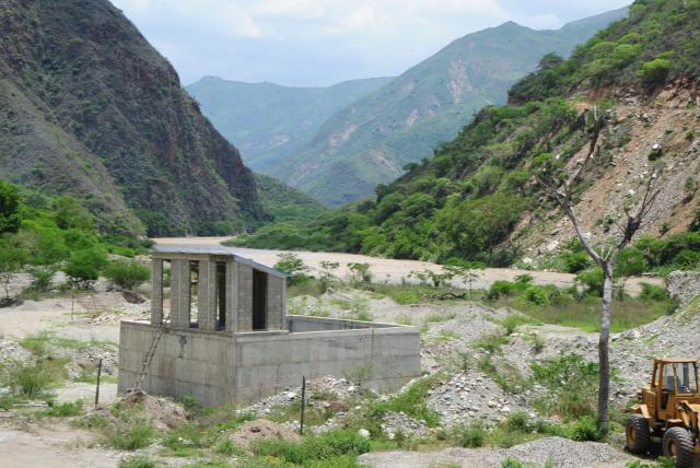 El acueducto de 30.000 millones de pesos que no han podido terminar