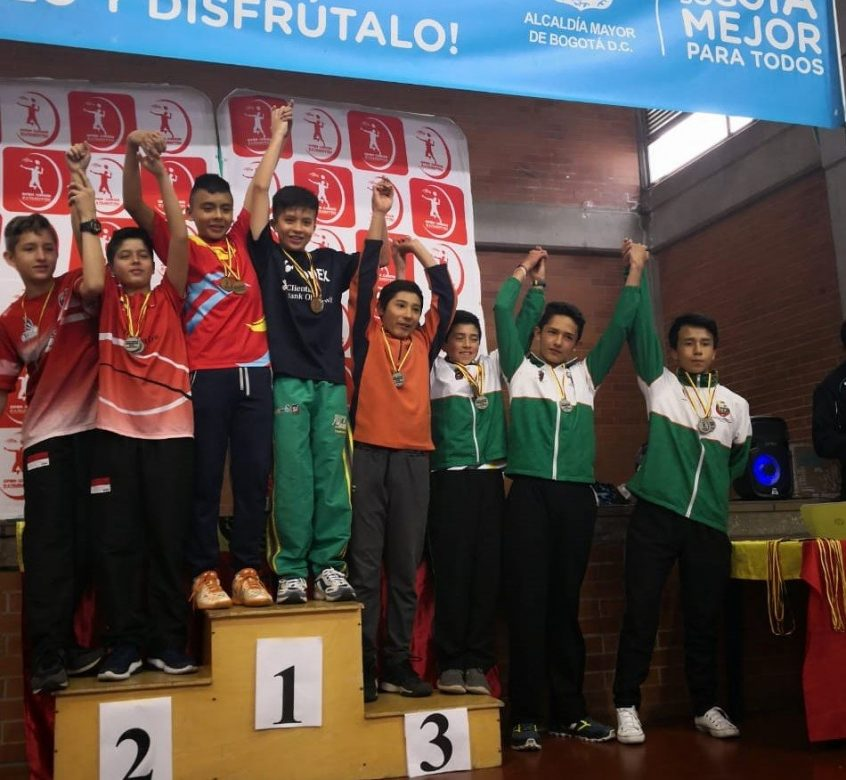 12 MEDALLAS PARA CHÍA EN II OPEN JUNIOR DE BÁDMINTON