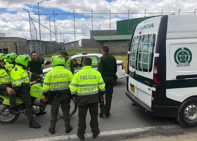 Policía que había sido destituido por hurto protagonizó persecución en Catam
