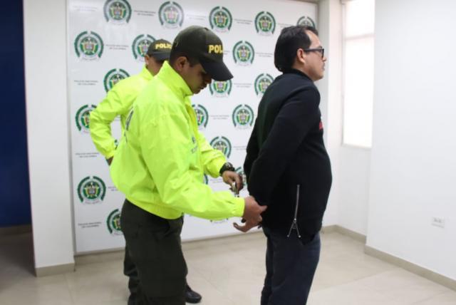 Capturan en el aeropuerto El Dorado a narcotraficante mexicano