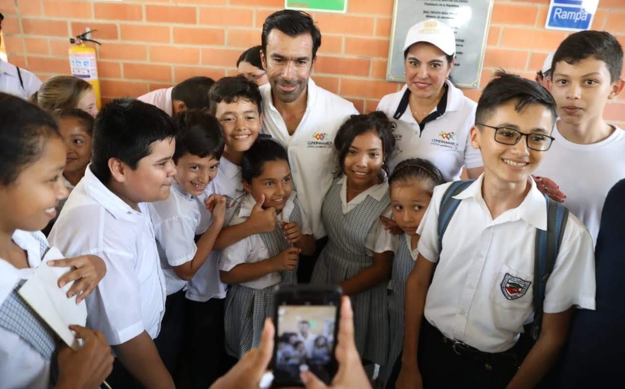 Cundinamarca se pone al día con el retroactivo de directivos y docentes del departamento