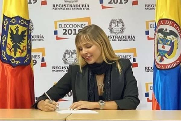 «Hay que elegir gente preparada»: las duras críticas a Elizabeth Loaiza tras lanzarse al Concejo de Bogotá