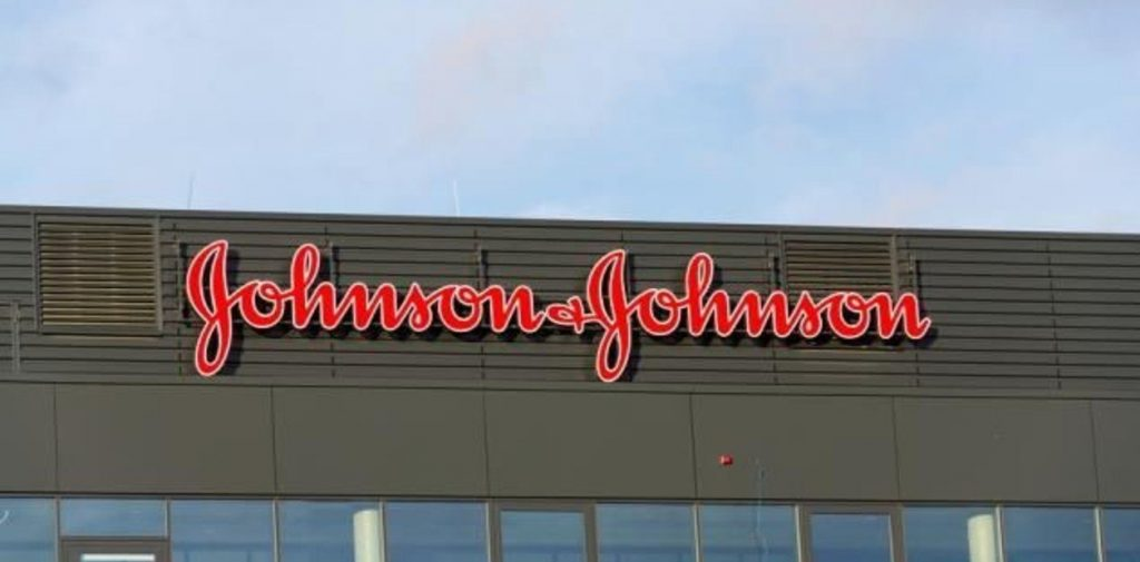 Johnson & Johnson deberá pagar millonaria sanción por crisis de los opiáceos