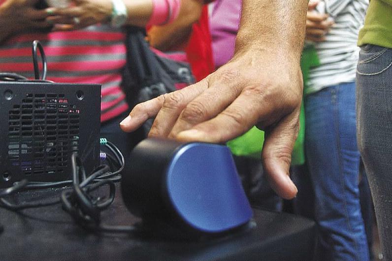 No hay plata para huella y firma en elecciones regionales: MinHacienda