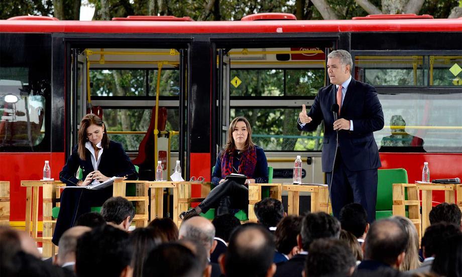 Presidente Duque lanza Estrategia Nacional de Movilidad Eléctrica y Sostenible por la calidad del aire y el transporte eficiente