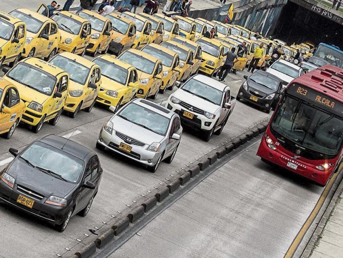 Levantan el pico y placa para taxis en Bogotá