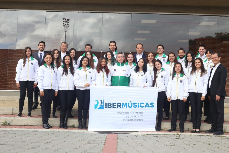 El coro Suasí de Chía rumbo a México.