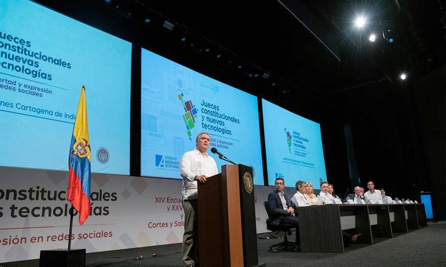 """Presidente Duque invita a toda la institucionalidad a defender el orden constitucional del """"cáncer"""" del narcotráfico"""
