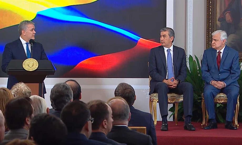 'Usted es un símbolo del emprendimiento' y 'ha democratizado la cultura', dijo el Presidente Duque a Jorge Barón