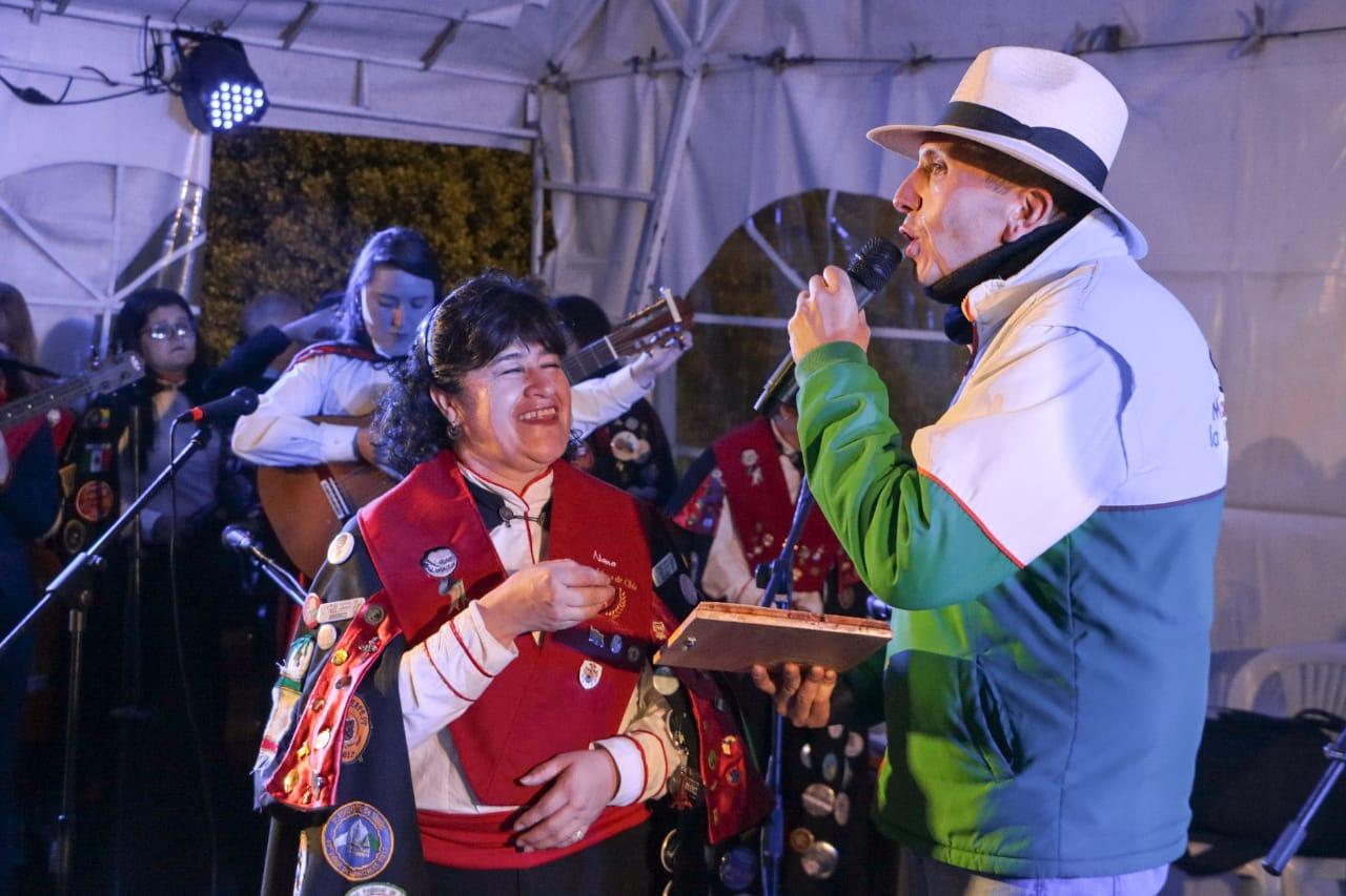 Honores y Reconocimientos en el Festival de Tunas de la Ciudad de la Luna.