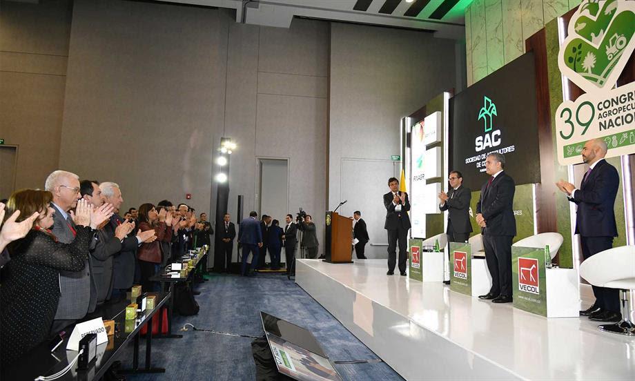 Todos los colombianos tenemos que unirnos para rechazar el reclutamiento de menores y denunciar a cabecillas que siguen con esa práctica deleznable, enfatizó el Presidente Duque