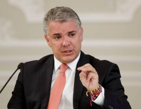 Duque propone 'revolcón' en Icetex para que jóvenes no queden «estrangulados con deudas»