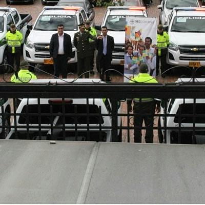 Gobierno entregó 21 camionetas y 27 motocicletas para fortalecer la seguridad en el departamento