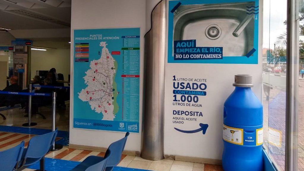 Acueducto de Bogotá instala contenedor para aceite de cocina usado