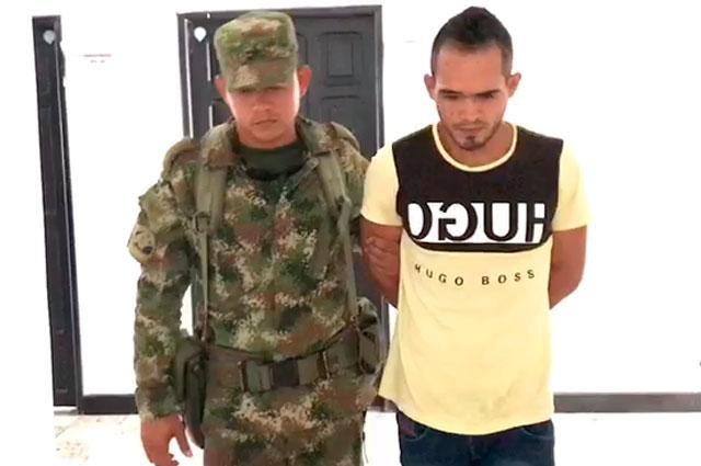 """Ejército dice que implicado en asesinato de Nathalia y Rodrigo se entregó porque """"estaba asustado"""""""