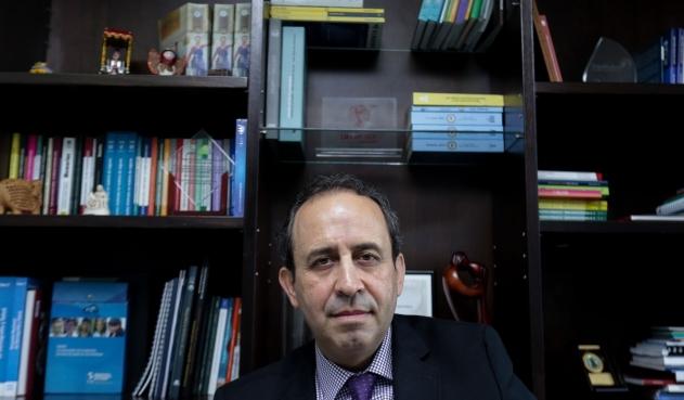 Juez ordena arresto contra Fabio Aristizábal, superintendente de Salud
