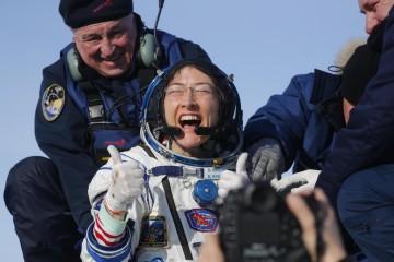 Así fue el regreso de Christina Koch, la mujer que más tiempo pasó en el espacio