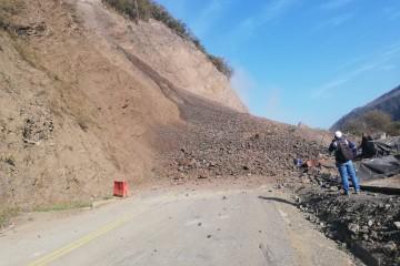 Cierre total de la troncal entre Medellín y Urabá por derrumbe