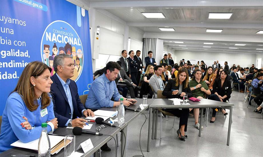 Presidente pidió celeridad en investigaciones que permitan esclarecer el caso de la explosión de vehículo en el Cauca, e impartió instrucciones para proteger corredores viales en el departamento