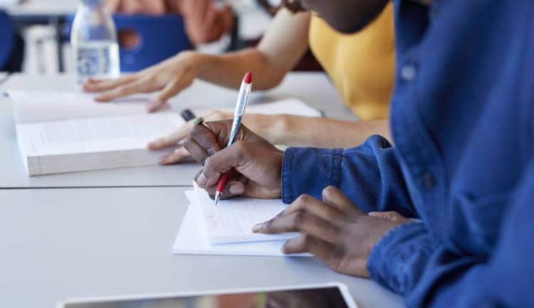 Solicitan al Ministerio de Educación suspender clases