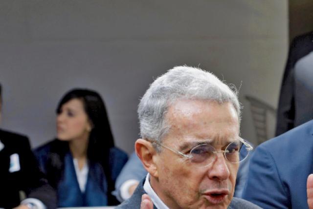 Uribe insiste en que la JEP 'debe ser eliminada'