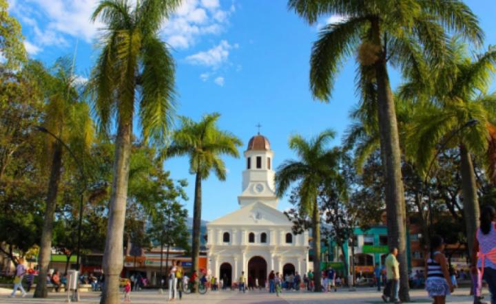 """Eliminarán """"doctoritis"""" en alcaldía de Itagüí: funcionarios serán llamados por sus nombres"""