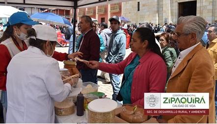 Impulsan mercado campesino en Zipaquirá, Cundinamarca