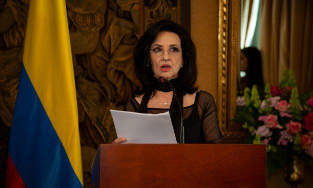 Cancillería tramita ayuda para 2.568 colombianos varados por COVID-19 en el exterior