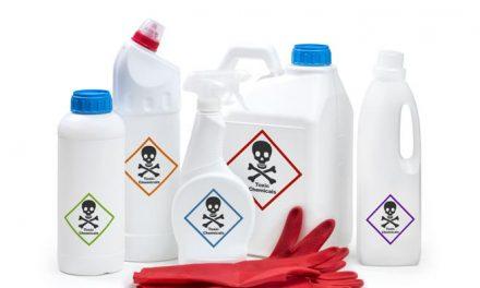 Demostrado: Pulverizar lejía u otros desinfectantes sobre el cuerpo o introducirlos en el organismo no protege la COVID-19 y puede ser peligroso.