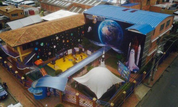 El colegio de Chía que llevó el aula de sistemas a las casas de los estudiantes