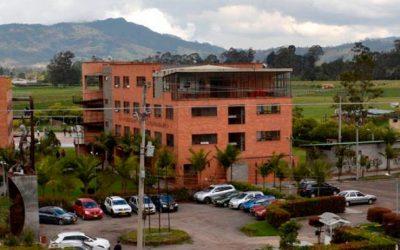 Gobernación de Cundinamarca garantizará el pago del 100% de la matrícula de los 12.742 estudiantes de la Universidad.