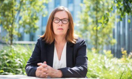 """Sarah Gilbert, la científica que lidera el """"prometedor"""" ensayo de la Universidad de Oxford: Vacuna contra la COVID -19"""
