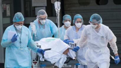El mundo supera los 22 millones de casos COVID, España entre los diez países más afectados