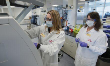Ensayo clínico de tratamiento de anticuerpos contra el covid-19 avanza a fase 3