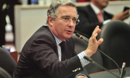 Uribe perderìa su curul