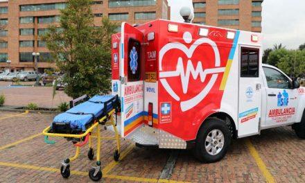 Gobernación de Cundinamarca entrega 11 nuevas ambulancias a 7 municipios