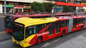 Atraco masivo a un bus de Transmilenio