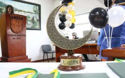 Condecoración Luna De Oro 2020