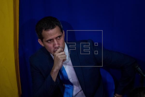 La UE dispuesta a trabajar con Juan Guaidó, pero evita tratarle como presidente electo