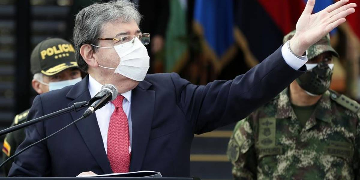 Ministro de Defensa, Carlos Holmes Trujillo hospitalizado por coronavirus