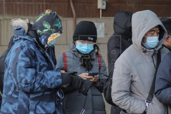 Pekín niega haber impedido la entrada de la OMS para investigar la covid