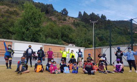 350 niños de Chía, recibieron kits escolares en alianza estratégica por la educación