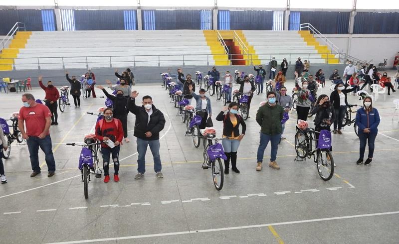 Bicicletas para mujeres floricultoras de Facatativá y Funza