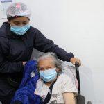Inicia vacunación de adultos mayores en Cundinamarca