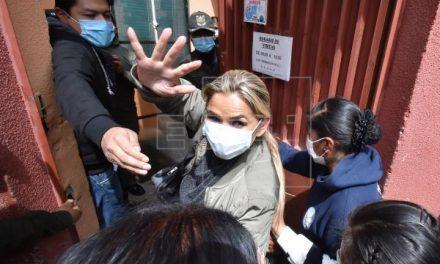 Áñez, expresedenta de Bolivia,  pasa primera noche en prisión