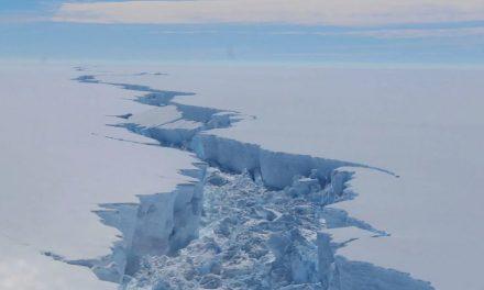 Gigantesco iceberg, del tamaño de Londres, se desprende de la Antártida